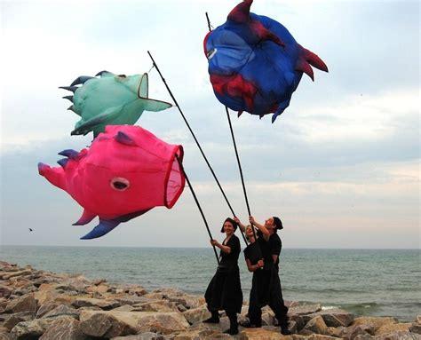 Britzer Garten Lichterfest by Fliegende Fische Windskulpturen Windspiele Festivals
