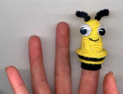 Bee Finger Puppet Template by 10 Finger Puppet Free Crochet Patterns
