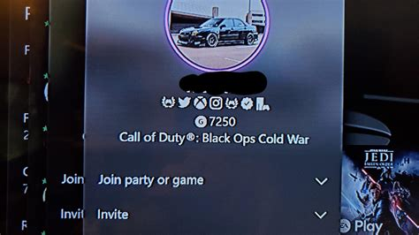 How Does One Get The Social Icons In Xbox Profile Xboxone