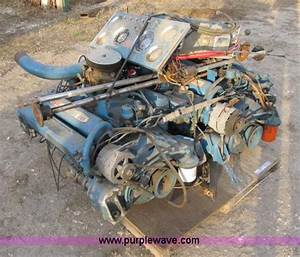 2  Chris Craft 283 Boat Engines With Dash And Controls In