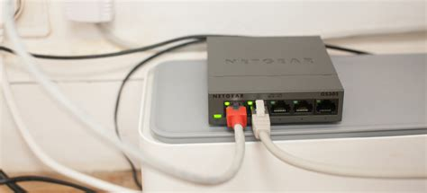 bureau avec plan de travail comment créer un réseau rj45 à la maison facilement