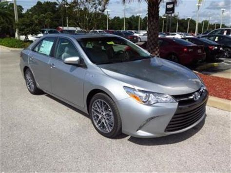 export   toyota camry hybrid xle silver  gray