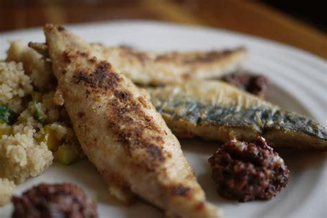 cuisiner filet de maquereau recette de filets de maquereau à la tapenade d 39 olives noires