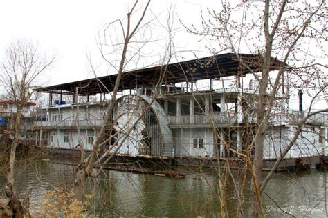 Paddle Boats St Louis by 10 Abandoned Steamboats Paddle Steamers Riverboats