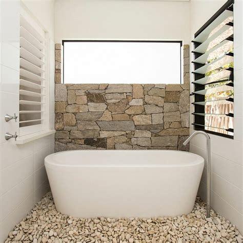 salle de bain en naturelle pour une ambiance min 233 rale