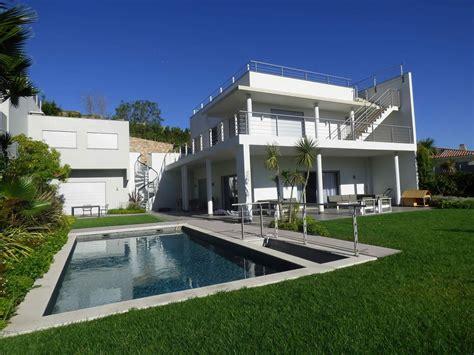 moderne villa avec vue mer piscine 224 debordement chauff 233 e et terrasse 224 vendre 224 fr 233 jus