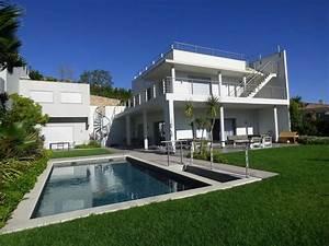 moderne villa avec vue mer piscine a debordement chauffee With superior jardin et piscine design 8 maison hundertwasser