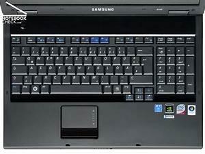 Review Samsung R700 Aura T9300 Dillen Notebook
