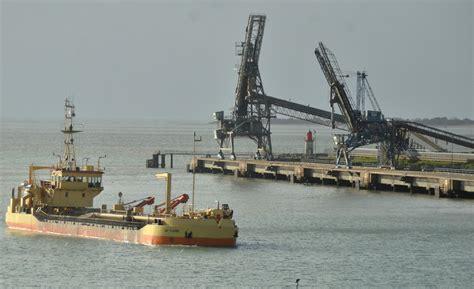 port de commerce la rochelle les c 233 r 233 ales relancent le port de la rochelle info 233 co