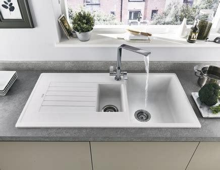 Lamona White Granite Composite 1.5 Bowl Sink   Howdens Joinery