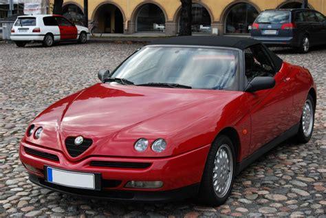 1995 Alfa Romeo Spider Photos, Informations, Articles