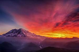 The Most Amazing Sunrise I U0026 39 Ve Witnessed With Mt  Rainier To Accompany It  Viewed From High Rock