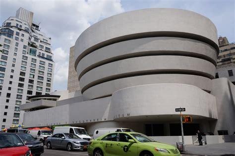 musee moderne new york le mus 233 e d moderne et contemporain guggenheim