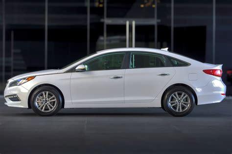 Used 2015 Hyundai Sonata Hybrid Sedan Pricing  For Sale