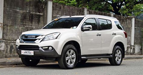 Room for the whole family/all the gear. Isuzu MU X 2017 Philippines: Review, Specs & Price