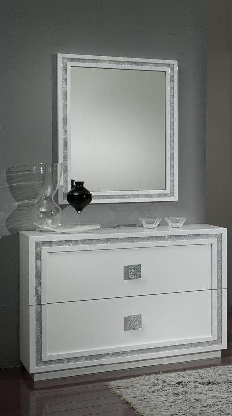 miroir chambre design miroir rectangulaire design laqué blanc cristalline