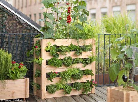 fabriquer carré potager potager palette bois jardin potager en bois jardin du monde luxe rustic tuteur trellis with