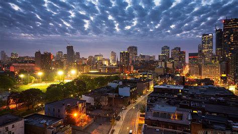 tablette pour bureau soirée au canada images hd de villes canada