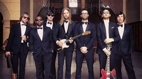 maroon 5 height who are maroon 5 members and their lead singer adam levine