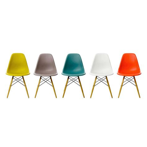 chaise en bois chaise dsw vitra trentotto mobilier design toulouse