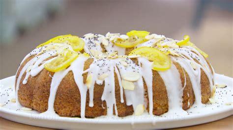 lemon  poppy seed drizzle cake great british baking