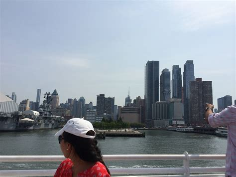 Boat Cruise Up The Hudson by Cruise Up Hudson River Manhattan New York