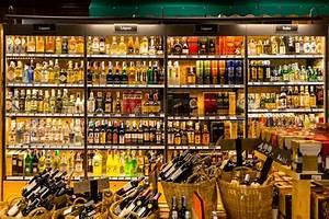 Ethanol Berlin Shop : bangkok thailand march 13 2016 liquors spirits wine ~ Lizthompson.info Haus und Dekorationen