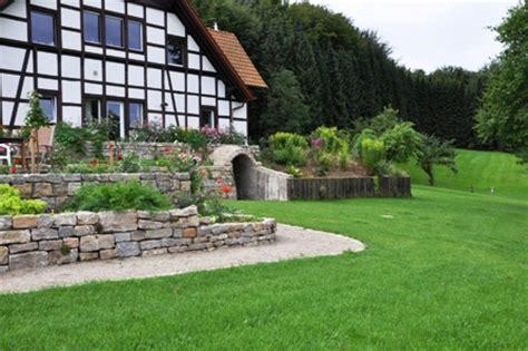 Hangbefestigung Im Garten by Hangbefestigung Winkelst 252 Tzen Bruchsteinmauer Gabionen