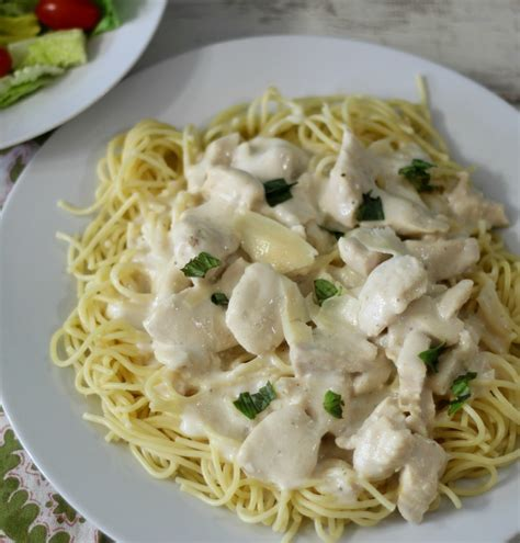 Chicken parmesan pasta is our favorite one pot chicken pasta recipe. Creamy Chicken Parmesan Pasta