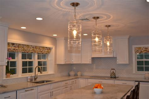 Best Clear Glass Over Island Pendant Lights For
