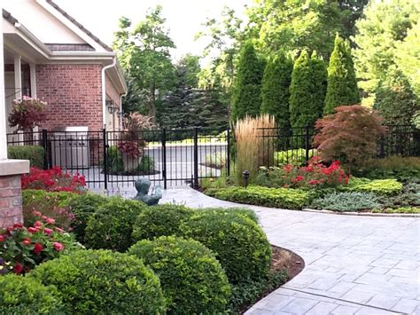 photos of landscaped yards how to choose the best landscape company