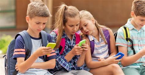 Ab wann Handys für Kinder sinnvoll sind Familiede