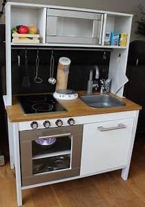 Kinder Küche Ikea : ikea duktig play kitchen hack emma xmas 2013 emma 39 s kitchen pinterest kinderk che ~ Markanthonyermac.com Haus und Dekorationen