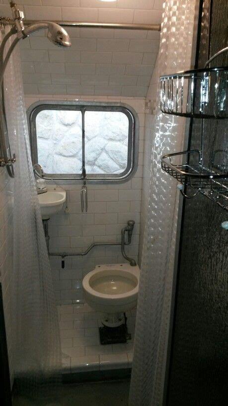 victor supreme bathroom campersglampershome rv
