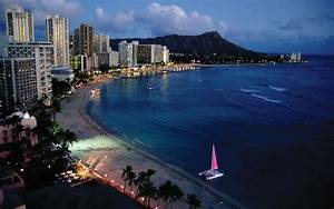 Evening scenery of Waikiki