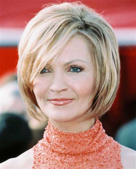 Layered Hairstyles For 50s by Haircuts For In Their 50s The Best