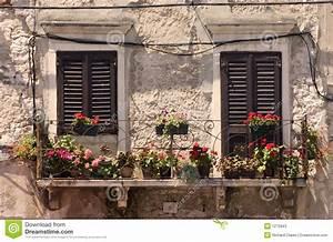 Fenster Preise Kroatien : alte fenster in kroatien stockbild bild von haus rustic ~ Michelbontemps.com Haus und Dekorationen
