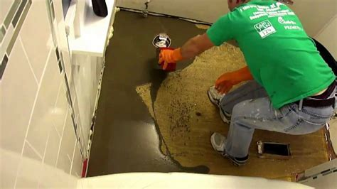Mixing and Pouring Self Leveling Compound *HD*   YouTube