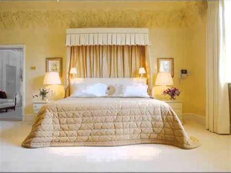 Desain Kamar Tidur Suami Istri Minimalis Interior Bedroom