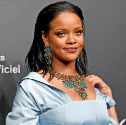 Rihanna Wants to Travel Back to When She Lost Her