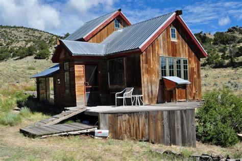 small rustic cabin   acres  colorado  mountain views