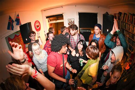djs describe  perfect house party mppoolonlinecom