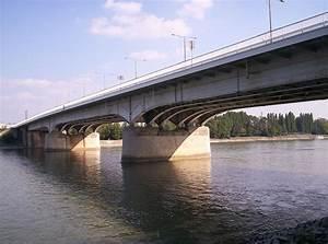 U00c1rp U00e1d Bridge
