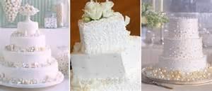 white wedding cakes wedding cake trends the best wedding by marilyn 39 s keepsakes