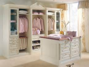 Women Walk Closet Design Ideas