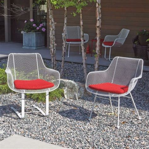 50 modern outdoor chairs to elevate views of your patio