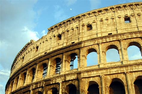 Colosseum Of Rome Pictures History And Facts