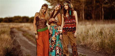 Ampia selezione di abbigliamento donna dei migliori brand su yoox. Look anni '70 per festa a tema   DireDonna