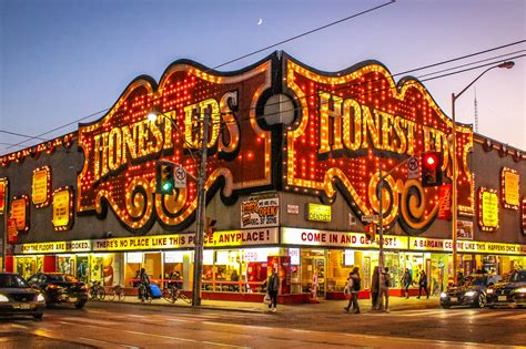 Honest Ed's sign to be taken down and moved next week