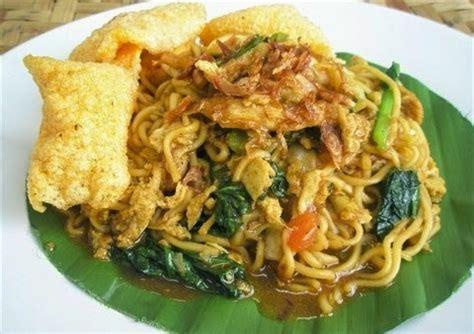 200 gram mi telur, seduh. Resep Masakan Indonesia: Resep Mie Goreng Nyemek
